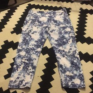 Onzie cropped cosmo/galaxy leggings (size s/m)